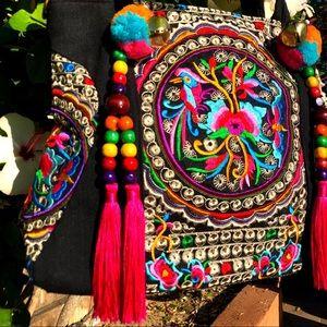 Handbags - Large Vintage Embroidered Beaded Tassel Tote Purse